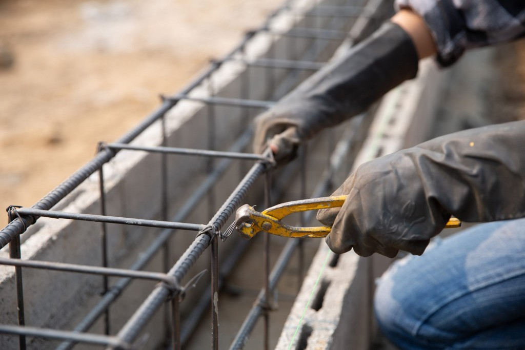 3 SIGNS THAT YOUR HOME MAY REQUIRE STRUCTURAL REPAIRS THIS FALL